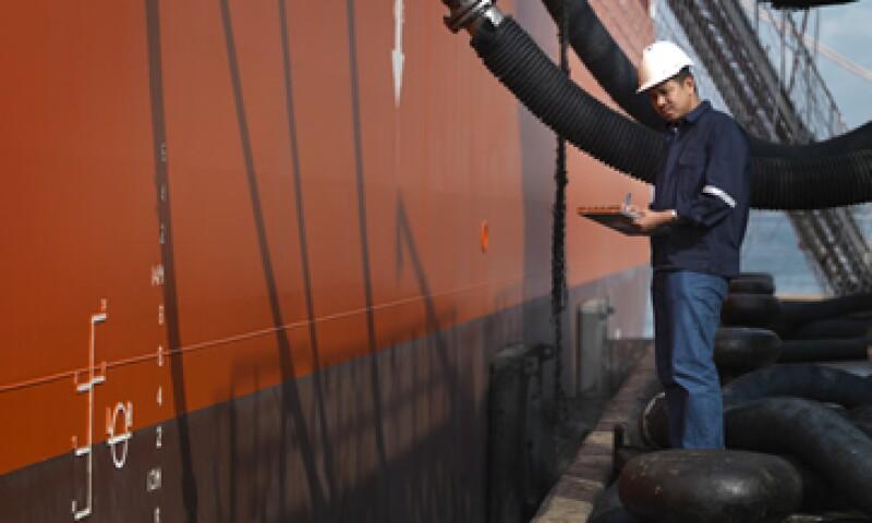 Pemex busca elevar la producción de crudo a 3 millones de bpd. (Foto: Getty Images)