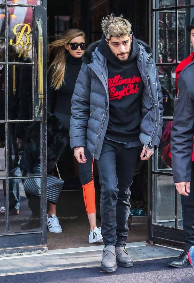 El ex One Direction ha confirmado durante un programa de radio que mantiene una relación con la modelo.
