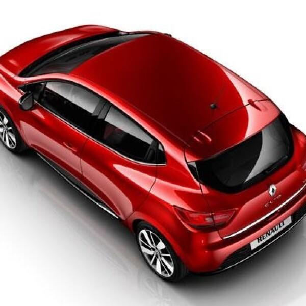 Por fuera, la carrocería de este automóvil cuenta con un diseño que conjuga las propiedades de sus conceptos DeZir Concept y el ZOE, es decir, que no hay ángulos agudos o agresivos, y sí, curvas voluptuosas.