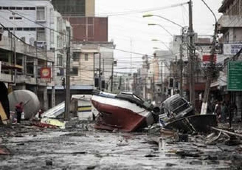 Un sismo de 8.8 grados sacudió a Chile el sábado por la madrugada. (Foto: AP)