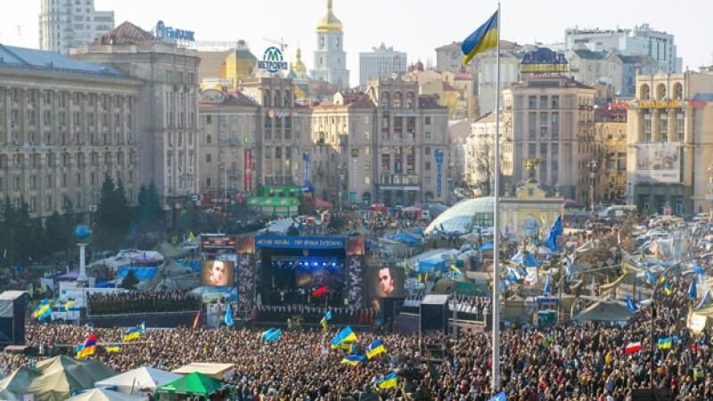 manifestantes Kiev Ucrania oposicion