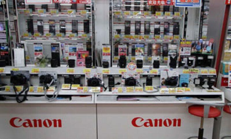 Canon prevé ganancias de 3,300 millones de dólares para 2012. (Foto: Reuters)