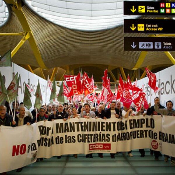 700 vuelos fueron cancelados por la huelga, informó Aeropuertos Españoles y Navegación Aérea (AENA).
