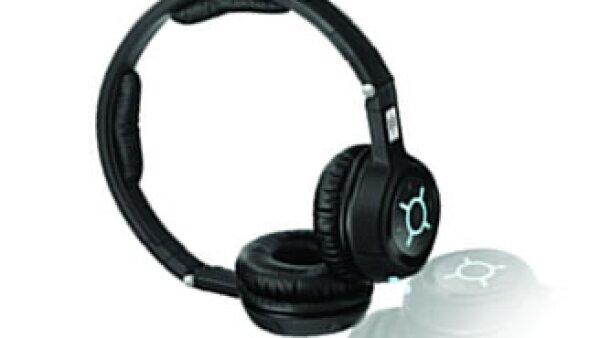 Los audífonos Sennheiser MM 450 Travel permiten que el usuario use un Bluetooth en lugar de un cable para estar conectado. (Foto: Cortesía de la marca)