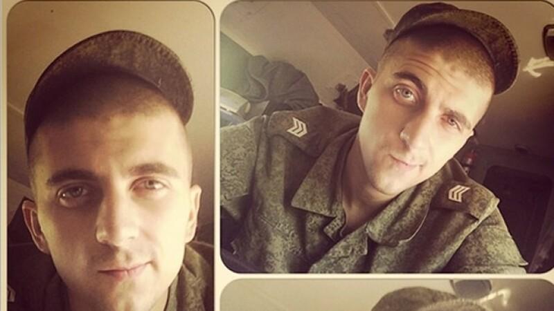 supuesto soldado ruso Alexander Sotkin en una de las ?selfies? que subió y que pudieron haber delatado su ubicación en Ucrania