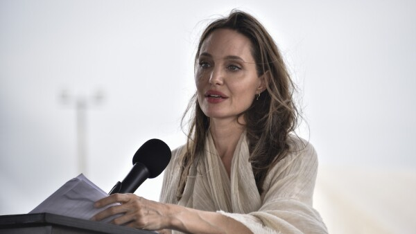 Angelina Jolie Visits Refugee Camp in the Colombia-Venezuela Border