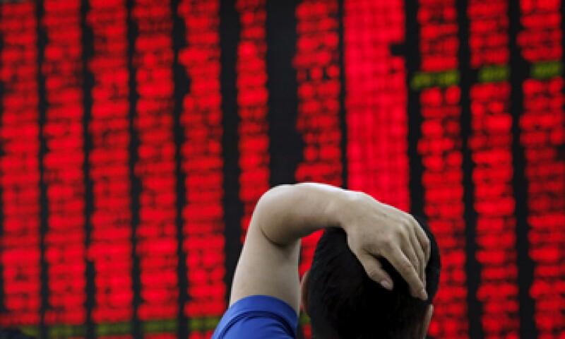 El referencial CSI300 de las principales acciones que cotizan en Shanghái y Shenzhen descendió 5.4%. (Foto: Reuters )