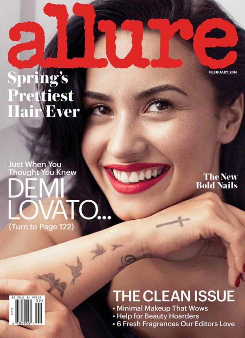 La cantante engalana la portada de la edición de febrero de la publicación.