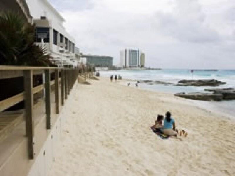 Las playas de Cancún se quedan vacías. (Foto: Notimex)
