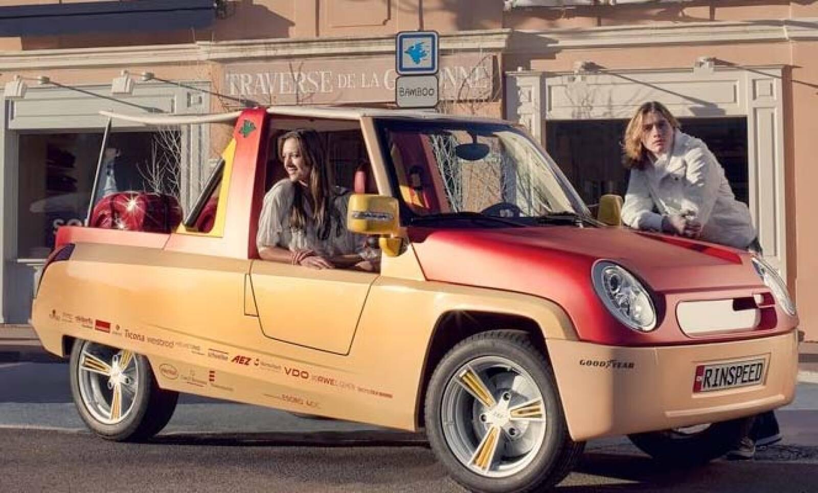 ¿Un coche fabricado con bambú? Esa es la apuesta de la firma francesa Rinspeed, que presenta este prototipo de vehículo fabricado al 100% con este material.