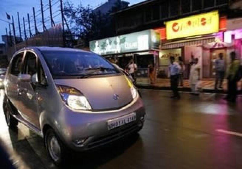 El Nano de la automotriz india Tata recibió la aprobación para ser vendido en Europa en 2011. (Foto: AP)