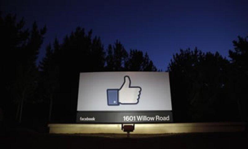 Facebook ganó 12 centavos por acción, apenas encima de las expectativas.  (Foto: Reuters)