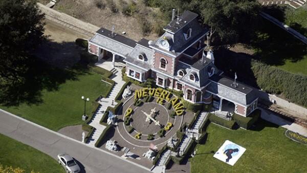 La que fuera la casa de Michael Jackson ahora está disponible para quien desee adquirirla. Sin embargo, no cualquiera podrá hacerse de ella.