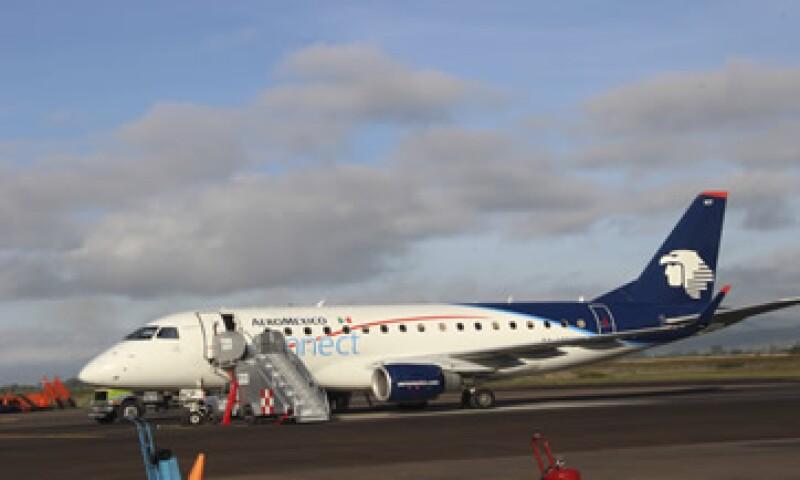 OMA aconsejó a los pasajeros contactar a sus aerolíneas para revisar posibles ajustes en los horarios de vuelos. (Foto: Cuartoscuro )