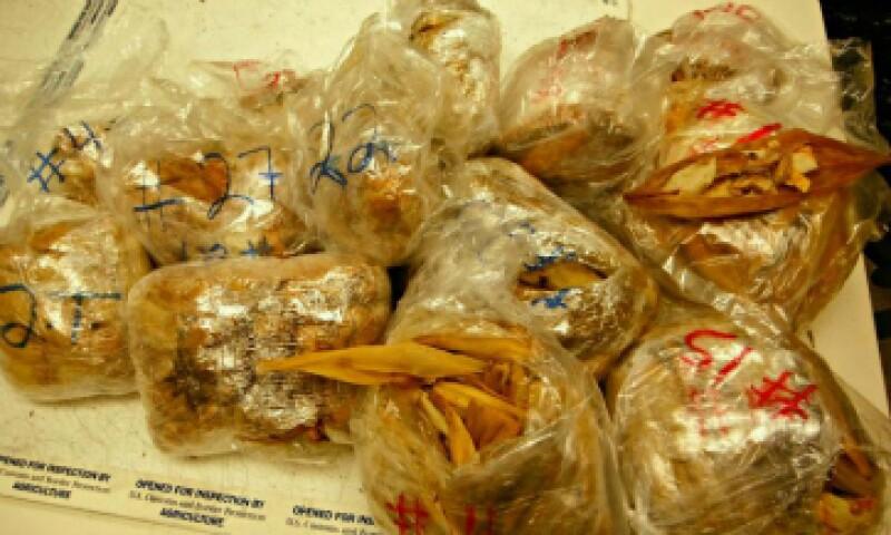 Los tamales venían envueltos en bolsas de plástico. (Foto: CBP/ Cortesía)