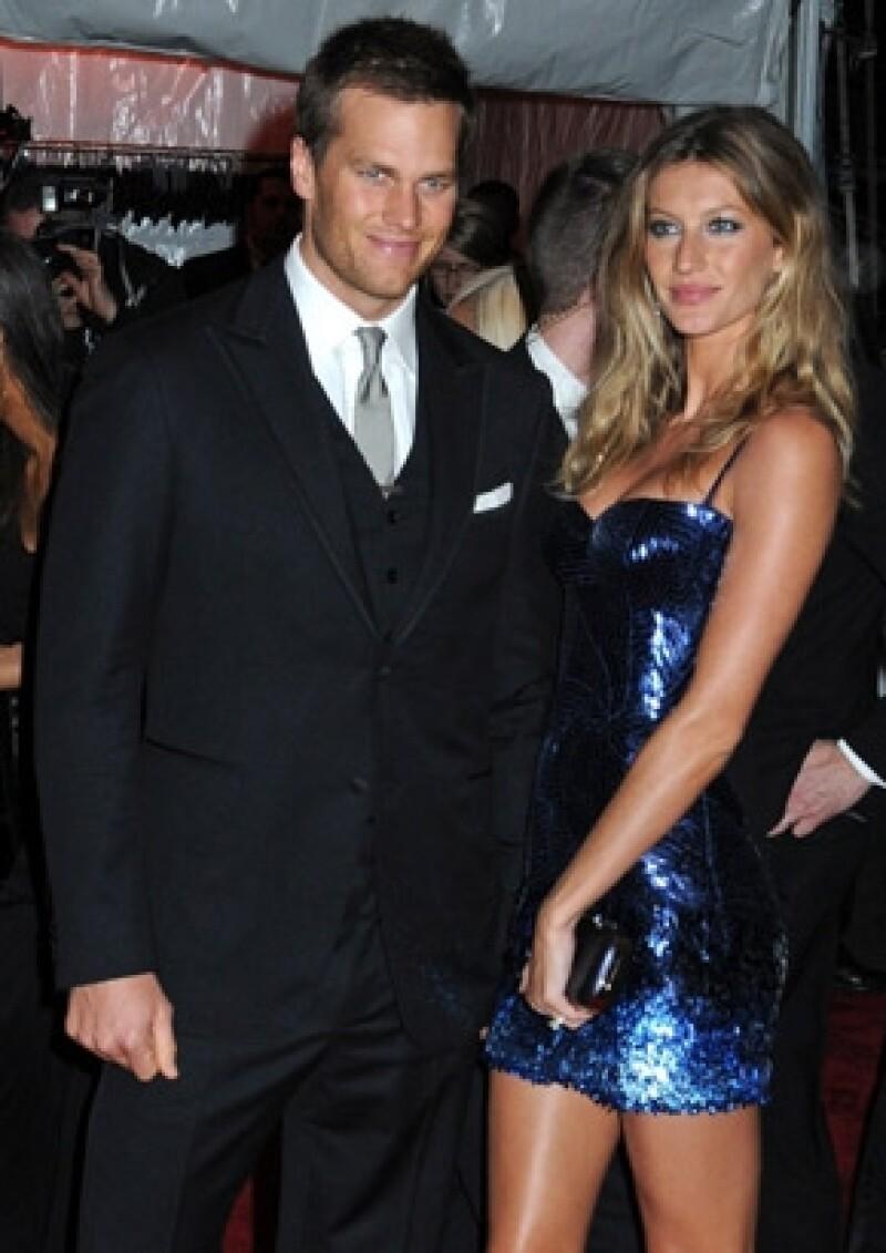 La modelo brasileña y su esposo, Tom Brady, dieron este martes la bienvenida a un niño; la pareja aún no sabe qué nombre le pondrán.
