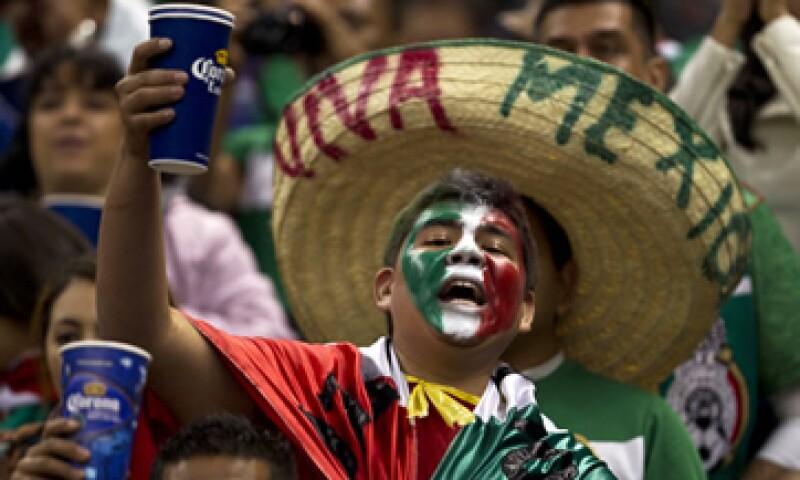 El alimento predilecto de los mexicanos cuando juega su selección es la pizza. (Foto: AP)