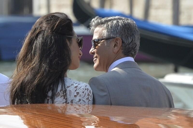 Por si cuatro días de celebración no fueron suficientes, los recién casados deciden celebrar una segunda boda en un hotel en Inglaterra.