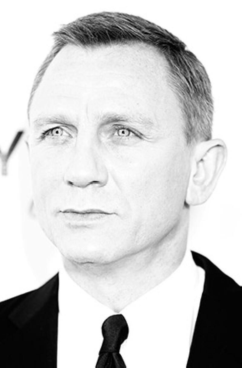 Ninguna de las otras 22 películas de la serie del agente 007 pudieron registrar los ingresos que se lograron con este filme: 990 mil millones de dólares.