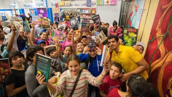 niños escribir leer lectores feria libro guadalajara