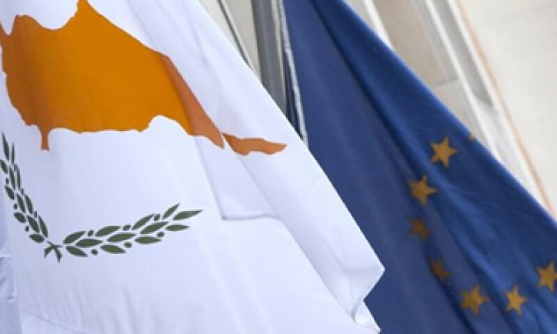 A cambio de su rescate, Chipre deberá aplicar un impuesto a todos los depósitos mayores a los 100,000 euros. (Foto: Reuters)