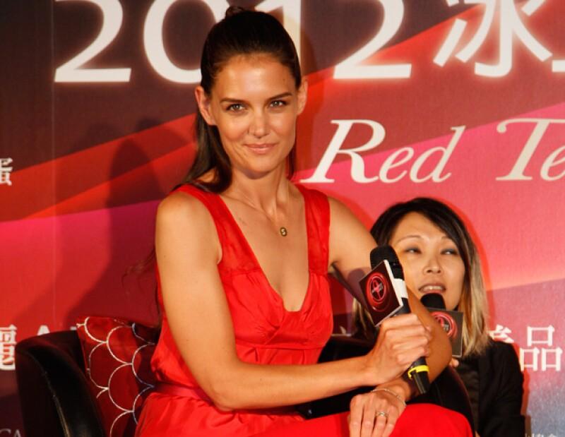 """La actriz despilfarró alrededor de 15.000 dólares. Se dice que la ex de Tom Cruise ha consultando a varios """"asesores personales"""" pues quiere proyectar una nueva imagen."""