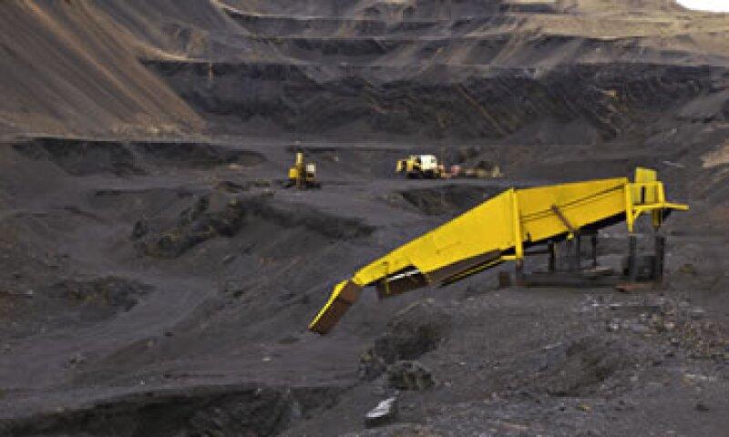 La AIE afirma que si no se reduce el uso de carbón, la temperatura global promedio podría subir 6 fgrados centígrados para 2050.  (Foto: Getty Images)