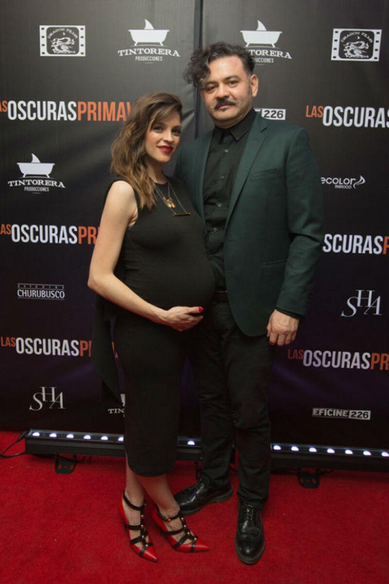 Irene y su pareja Quique Rangel, minutos antes de la premiere de la película.