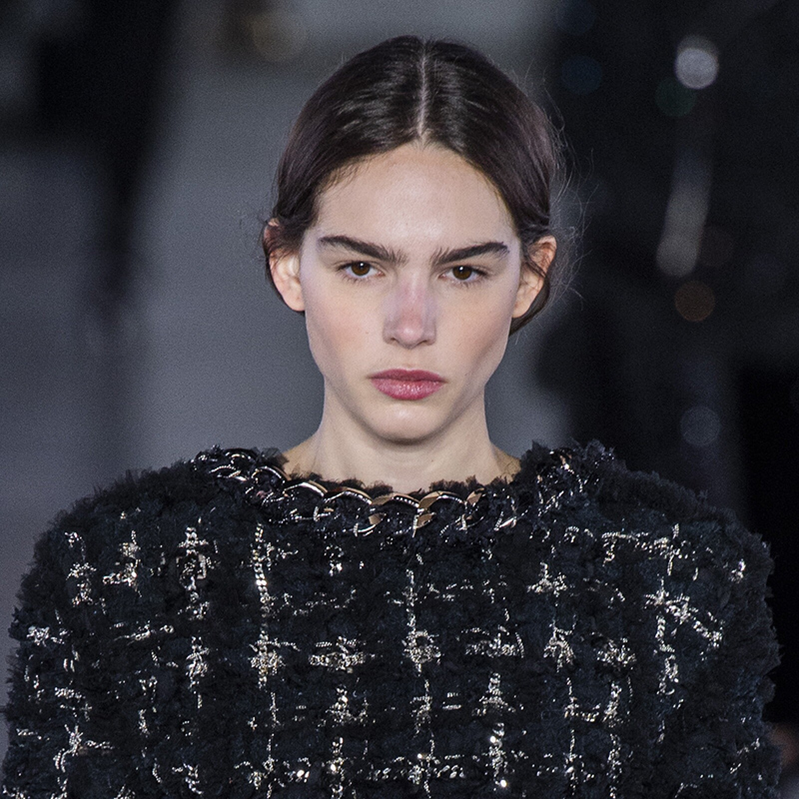 PFW-Paris-Fashion-Week-Runway-Pasarela-Beauty-Look-Belleza-Balmain