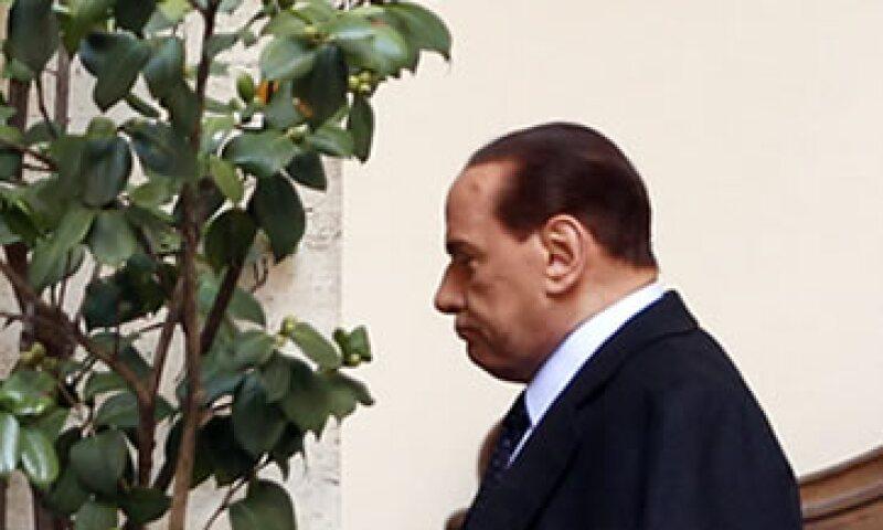 Se espera que Silvio Berlusconi entregue su renuncia más tarde este sábado al presidente Giorgio Napolitano. (Foto: Reuters)