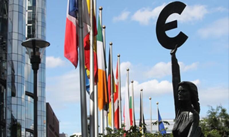 Las reformas al Fondo de rescate deben aprobarse por los gobiernos de las 17 naciones que usan el euro. (Foto: Cortesía CNNMoney)