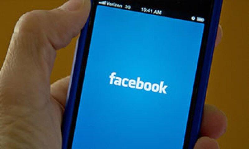 Pese a que Skype ofrece un servicio similar, no tiene tantos usuarios como Facebook.  (Foto: Cortesía CNNMoney.com)
