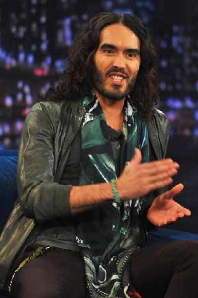 Debido a que los acuden a clases de yoga, el ex de Katy Perry le recomendó a la actriz ir a un retiro en el Himalaya.