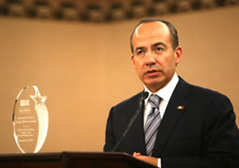 El presidente Felipe Calderón recibió el premio Star of Energy Efficiency por el programa de Hipotecas Verdes . (Foto: Cortesía Notimex)
