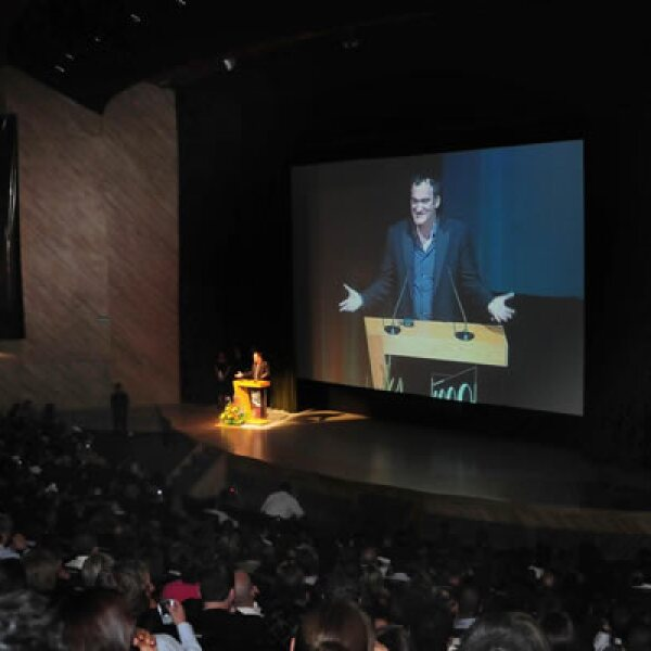 La película Bastardos sin Gloria de Quentin Tarantino inauguró la 7ª edición del Festival Internacional de Cine de Morelia (FICM) que se presenta del 3 al 11 de octubre. El director dio una conferencia de prensa y develó una placa.