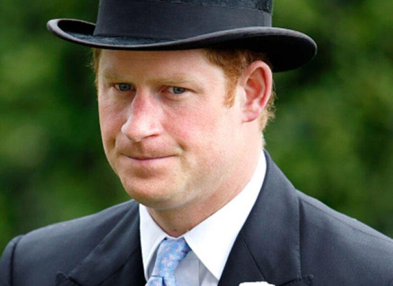 Harry dijo sentirse mal por no asistir al bautizo de la princesa Charlotte. Sin embargo, no parece arrepentido.