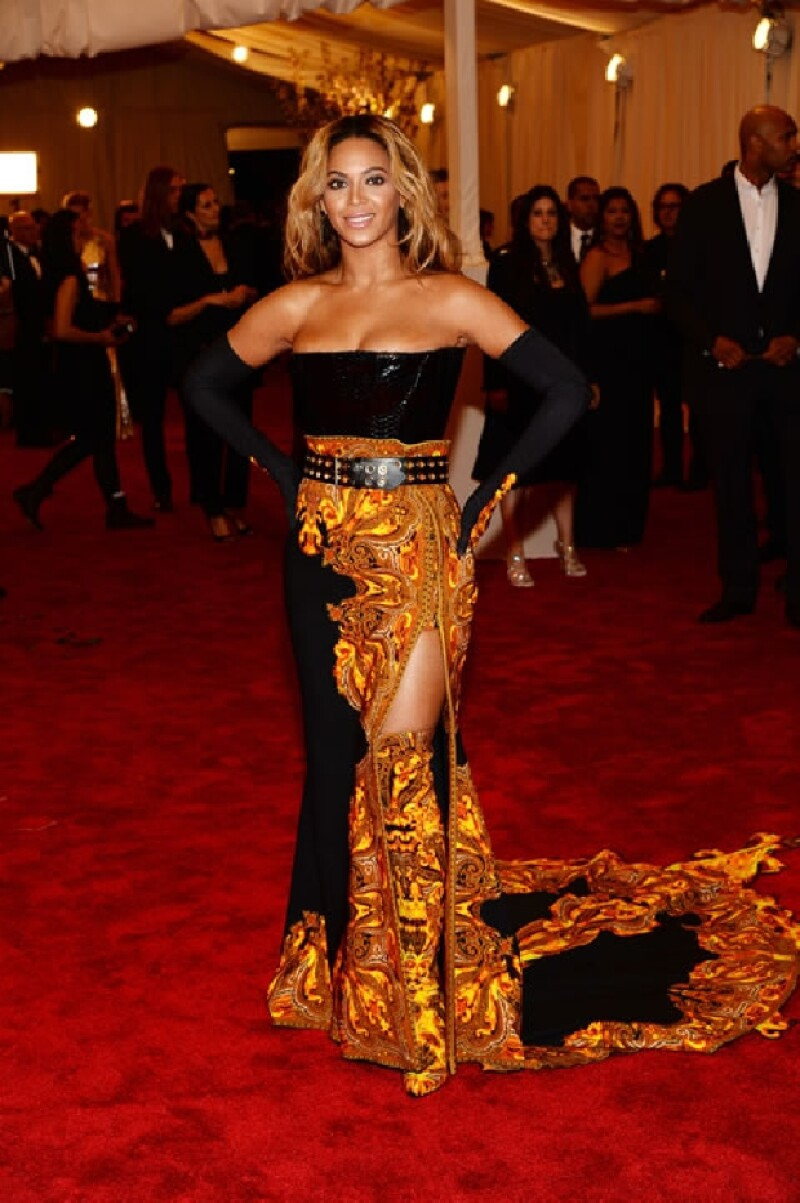 Beyonce también fue de las peor vestidas.