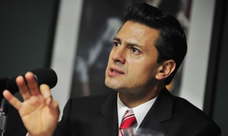 Peña Nieto atribuyó a Krauze un libro escrito por Carlos Fuentes. (Foto: Notimex)