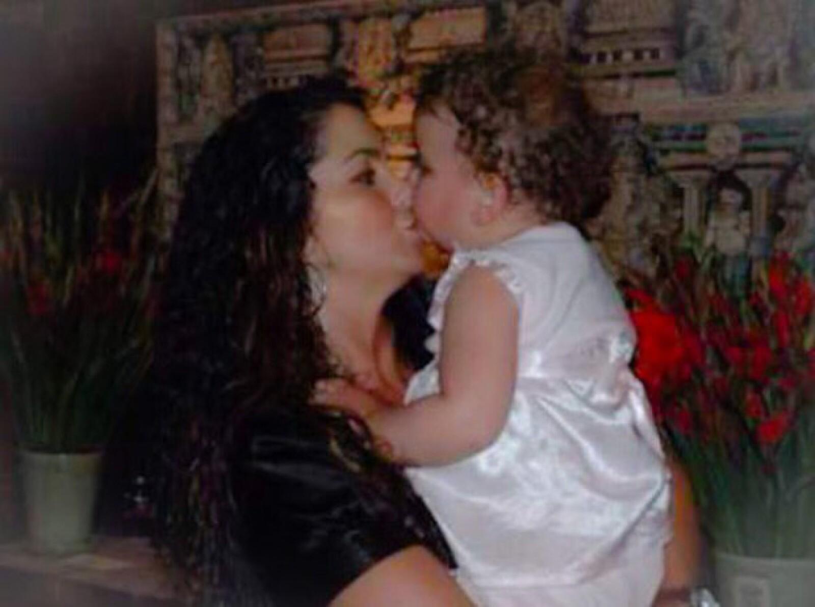 Con esta foto, Lucero acompañó el emotivo mensaje a su hija.