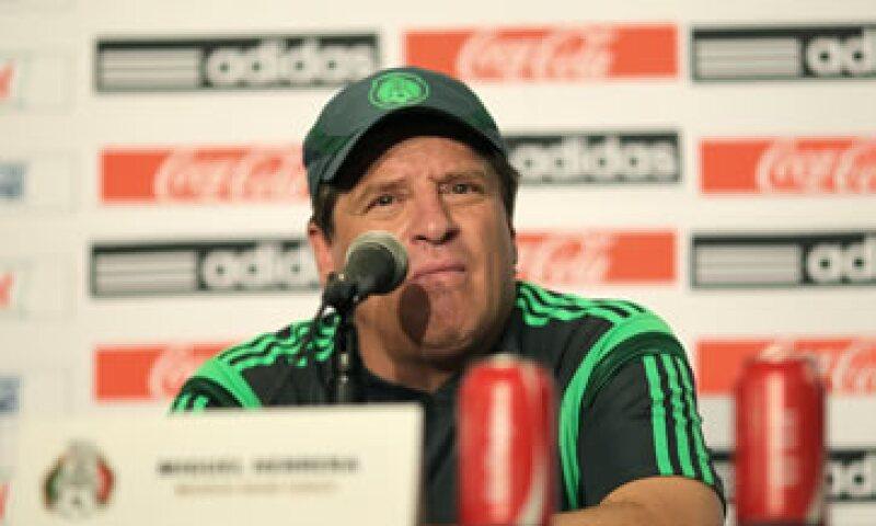 Miguel Herrera probará esta noche variantes para el Tricolor. (Foto: Notimex)