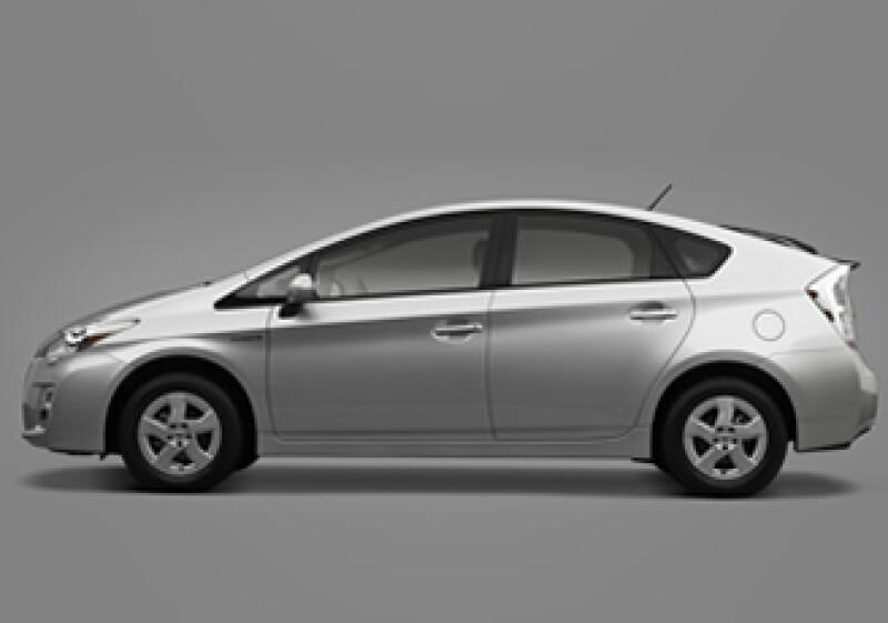 El automóvil estará disponible en cuatro colores: blanco, plata, rojo y gris oscuro. (Foto: Cortesía Toyota.)