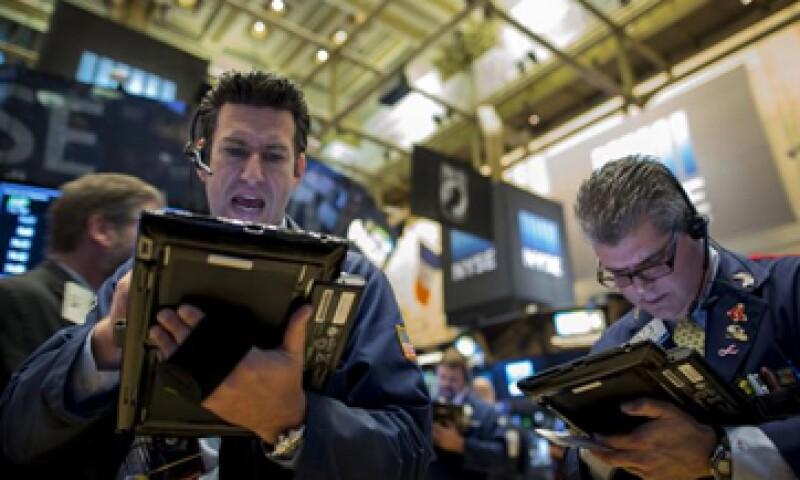 El Dow Jones retrocedía 0.50% en la Bolsa de Nueva York. (Foto: Reuters)