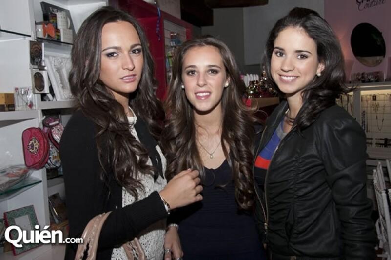 Las expertas en moda Claudia Cándano, Lorena Lefaure y Mafer Núñez les dieron a invitadas especiales como Paloma Costa, Beatriz Uribe, Mariana Ostos y Paulina Madrazo tips para vestir esta temporada.