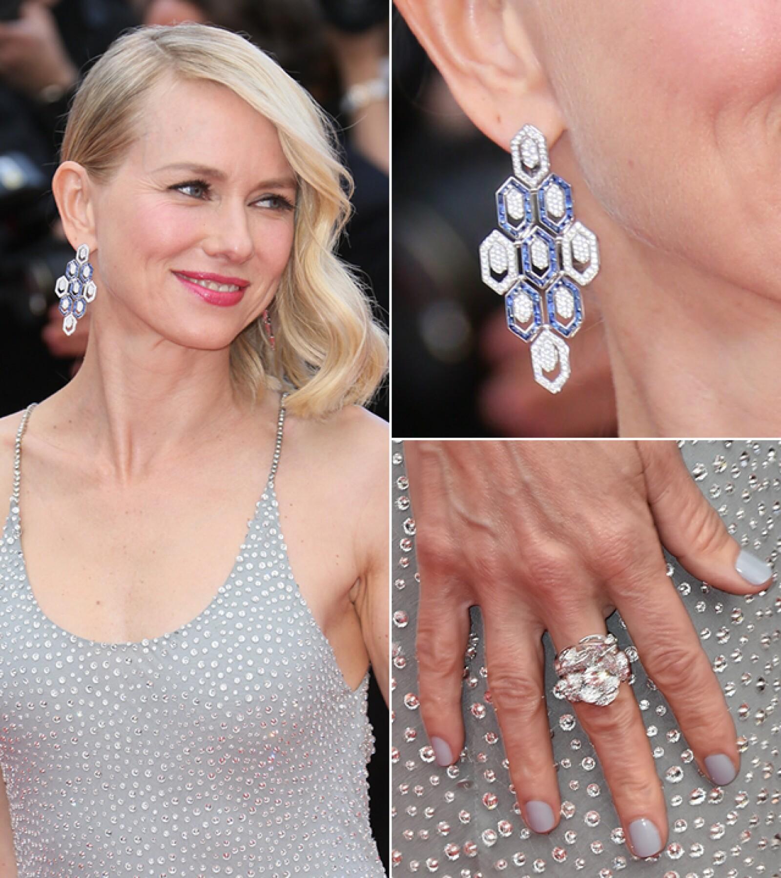 Para la premiere de `Money Monster´, Naomi Watts usó los aretes `Mediterranean Eden´y el anillo `Divas Dream´ de Bvlgari.