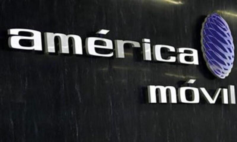 América Móvil concentra el 80% de telefonía fija y 70% de la celular en México.  (Foto: Archivo)