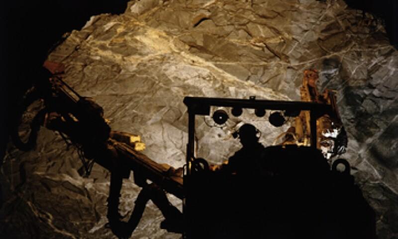 El Gobierno pretende gravar con una tasa de 7.5% las ganancias de las mineras. (Archivo)