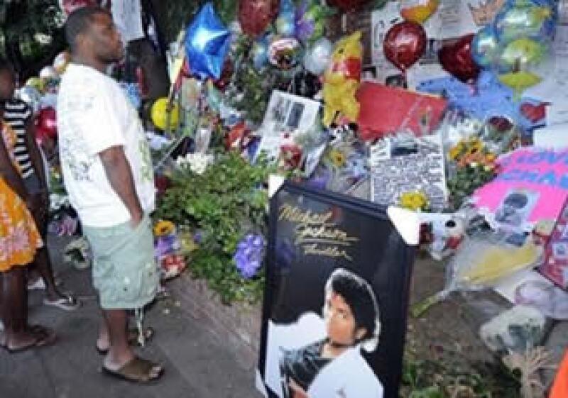 La ceremonia fúnebre en honor de Michael Jackson se transmitirá el martes 7 desde las 10 de la mañana en el Staples Center de Los Angeles. (Foto: AP)