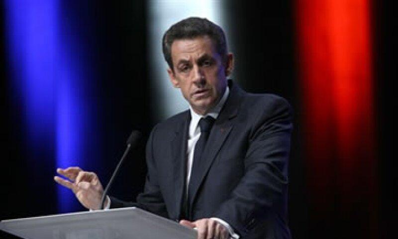 Analsitas afirman que el mensaje de Sarkozy es que sin su liderazgo, Francia estaría en una posición mucho peor. (Foto: AP)