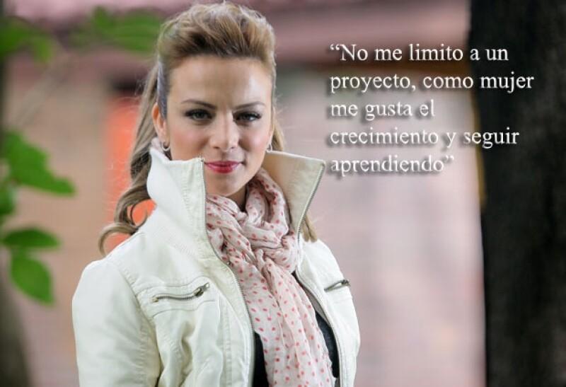 Silvia Navarro promociona su nueva cinta Labios Rojos.
