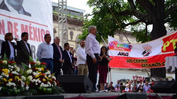 AMLO ofreció un mitin informativo en el Centro Histórico de la capital michoacana.